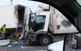 זירת התאונה בכביש 2