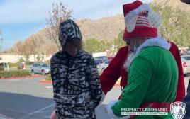 סנטה קלאוס והשדון מבצעים מעצר