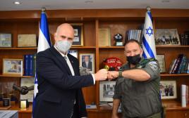 """מפכ""""ל המשטרה הנבחרת קובי שבתאי והשר אמיר אוחנה"""