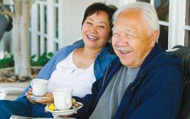 שתיית חמש כוסות תה ביום מגבירה את תפקוד המוח אצל אנשים בני 85 ומעלה