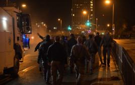 """מאות מפגינים מול בניין מח""""ש"""