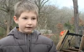 אלי דווידסון, בן ה-7 שהציל את אחותו התינוקת משריפה