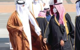 בן סלמאן (מימין) ובן חמד, השבוע בסעודיה. כמה הון עוד אפשר להפסיד בהרפתקאות שווא