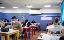 תלמידים בכיתה ביהוד