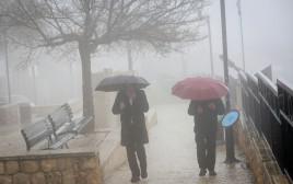 מזג אוויר סוער גשם בצפת
