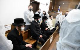 חסידי וזיניץ' החשודים בתקיפת שוטרים בבני ברק בבית המשפט