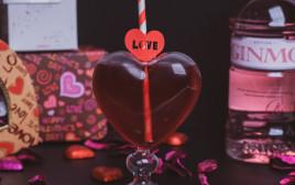 קוקטיילים זוגיים לחג האהבה. בנא משקאות
