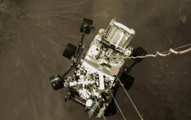 הגשושית פרסרוונס רגע לפני הנחיתה על מאדים
