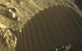 אדמת מאדים ממצלמת הגשושית פרסרוונס