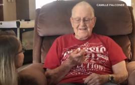 קיבל את טבעת הנישואין שלו לכבוד יום ההולדת ה-100