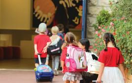 תלמידות בבית הספר