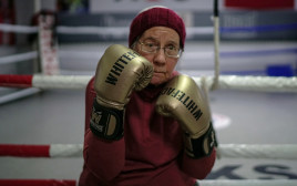 ננסי המתאגרפת בת ה-75