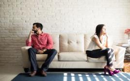 זוג בהליכי גירושין
