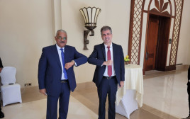 השר אלי כהן בעת ביקורו במצרים