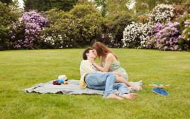 תשוקה בפארק, אילוסטרציה