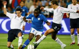טוטו תמוז נגד נבחרת אנגליה ב-2007