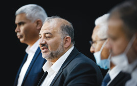 """מנסור עבאס וחבריו למפלגת רע""""ם יונתן זינדל, פלאש 90"""