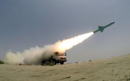 שיגור טיל שיוט איראני