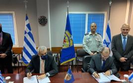 חתימת העסקה בין ישראל ליוון