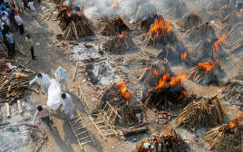 שריפת גופות בהודו