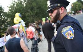 שוטר בבולטימור