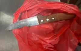 הסכין שנמצאה בתיקה של החשודה