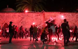 המהומות האלימות בהר הבית