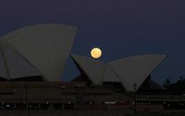 הסופר-מון בשמי סידני, אוסטרליה