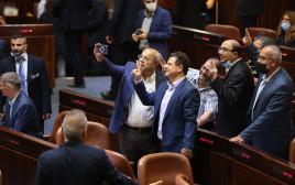 חברי הרשימה המשותפת לאחר ההצבעה על חוק האזרחות