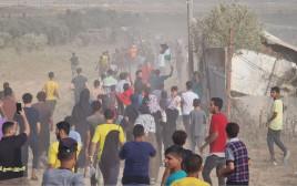 פלסטינים צועדים בעיר עזה לציון יום השנה להצתת מסגד אל אקצא