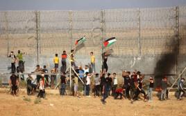 הפגנה פלסטינית על גבול רצועת עזה