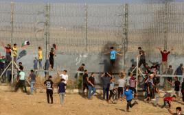מפגינים פלסטינים ברצועת עזה
