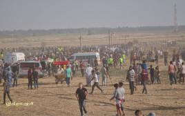 מפגינים פלסטינים בעצרת חמאס ברצועת עזה