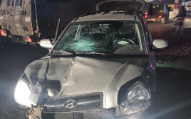 הרכב הפוגע במחסום קלנדיה