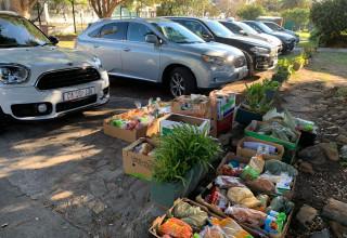 בתמונה: חלוקת מזון בקייפטאון במסגרת מיזם Jready של הסוכנות היהודית בסיוע אפליקציה שפותחה בישראל