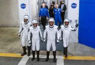 האסטרונאוטים מתכוננים לשיגור