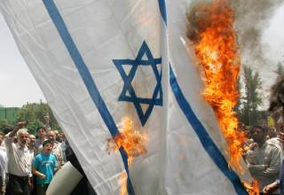שריפת דגל ישראל, אילוסטרציה