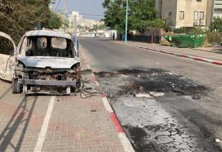 רכב שהוצת בלוד במהלך ההפגנות האלימות אמש