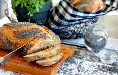 לחם עם גרגירי פרג