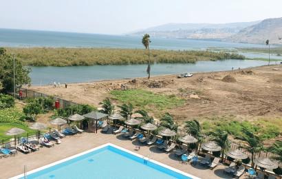מלון בחוף הכינרת