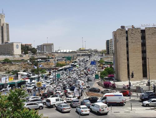 """פקקי ענק בירושלים בעקבות הפגנת נכי צה""""ל"""