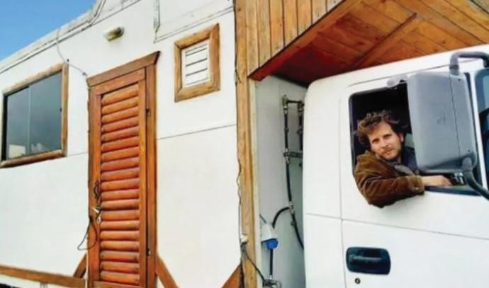 לביא זיטנר במשאית
