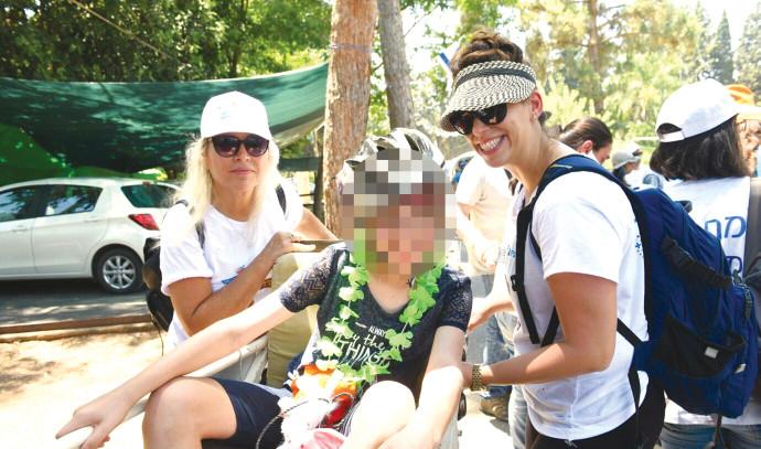 """מחנה קיץ של עמותת """"אתגרים"""", ארכיון"""