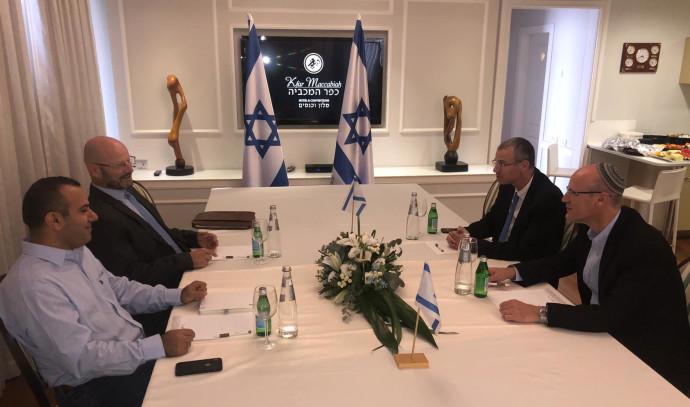 ישיבת המשא ומתן בין הליכוד וכחול לבן