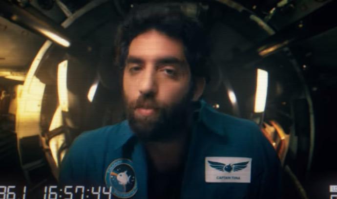 """טונה, הראפר איתי זבולון, מתוך """"אבודים בחלל"""""""