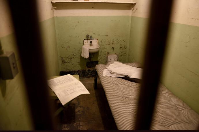 דוח הסנגוריה הציבורית מעלה שורת כשלים בתנאי החזקת עצורים ואסירים
