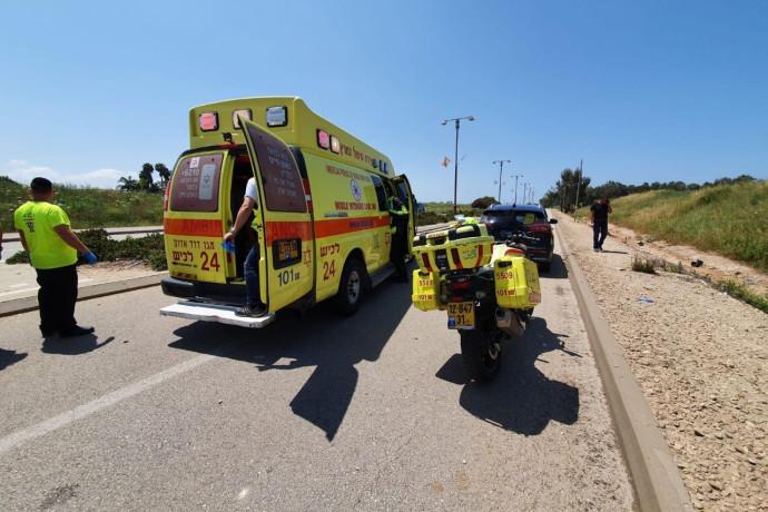 רוכב אופנוע כבן 25 נהרג בתאונה בכביש 2, אדם נוסף נפצע באורח קשה