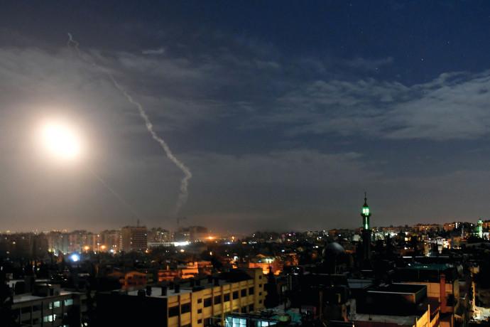 דיווחים בסוריה: ישראל תקפה מטרות בצפון מערב המדינה, אדם נהרג ושישה נפצעו