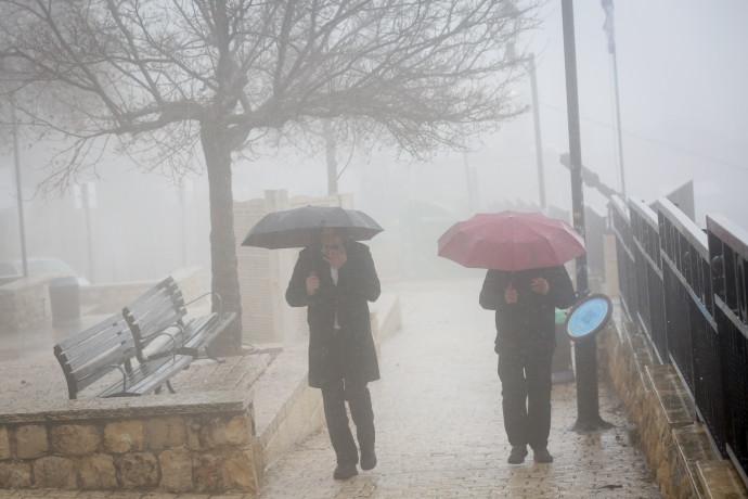 הסופה מתקרבת: גשם החל לרדת בצפון; שלג צפוי בירושלים