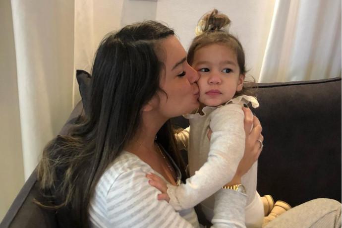 """""""כואב בלב"""": בתה של אדל בספלוב הותקפה ברשת והיא לא נשארה אדישה"""